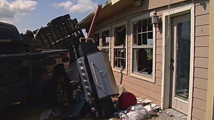 USA: Five tornadoes touch down in North Texas leaving trail of destruction