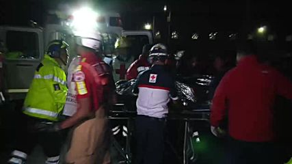 Mexico: Emergency services evacuate the wounded following fatal pipe blast