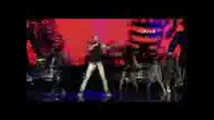 Black Eyed Peas - Boom Boom Pow (f1 Rocks Singapore 3oct2009)