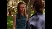 Gilmore Girls - Rory And Jess First Kiss