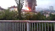 Мълния подпали жилищна кооперация в Дряново