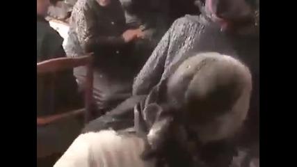 Ето как се забавляват Румънските старици