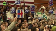 Clinton Spurs Supporters in Seattle Ahead of Washington Caucus
