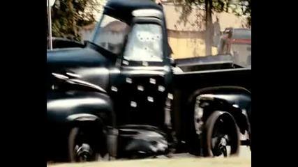 Част от филма - Непобедимите - The.expendables.2010