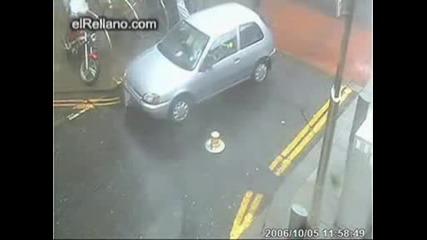 Жена + кола = катастрофа Смях !