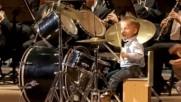 Малкият професионален барабанист-той е само на 3 години!