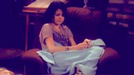 • Selena G. ~ Airplanes •