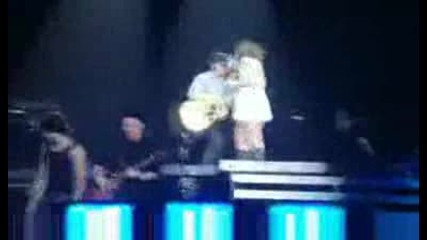 Nick Jonas & Miley Cyrus - Before the storm live