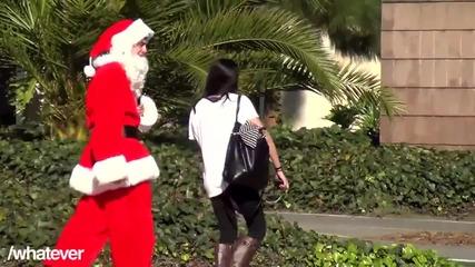 Дядо Коледа сваля момичета и им взима номерата