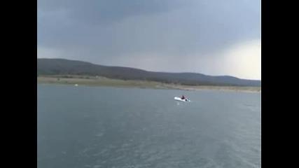 Проба на лодка 3.90м с мотор 2.6кс - част 2