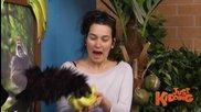 Готови за снимка с банани в ръка - скрита камера