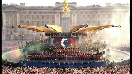 Robbie Williams - Let Me Entertain You (live on Diamond Jubilee Concert )
