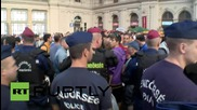 Hungary: Refugee influx prompts police to shut down Budapest main station