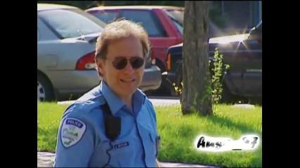 Полицай ритна кучета - скрита камера