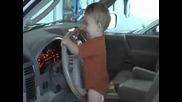 Ето как се натиска клаксона на кола - смях
