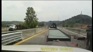 Инцидент с извънгабаритен камион