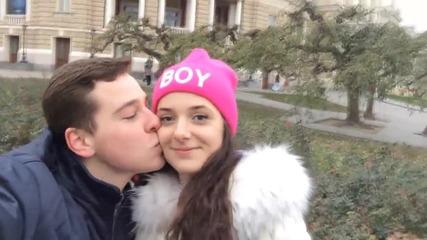 Реакцията на момичетата след целувка - Шега