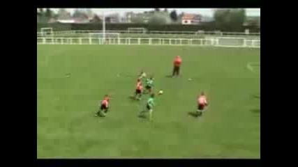 6 godishno futbolistche