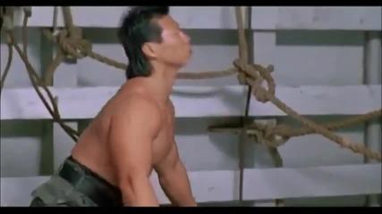 Бойна сцена от филма Двоен Удар!