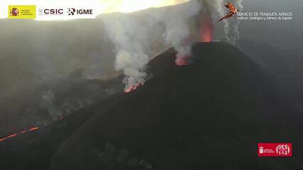 Кадри от дрон показват опустошителната мощ на вулкана, унищожил Ла Палма