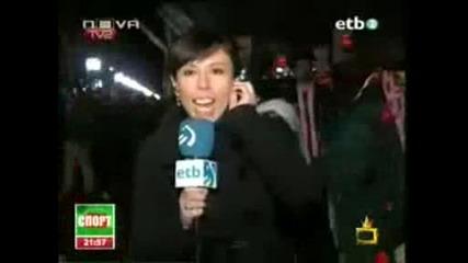 Мъж се гаври с репортерка Господари на ефира