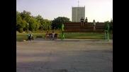Гиганска пейка в Димитровгад