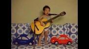 Малко момченце - бъдеща звезда (детето бийтълс)