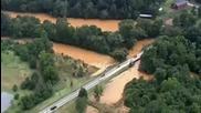 Проливни дъждове потапят домове и пътища в Северна Каролина