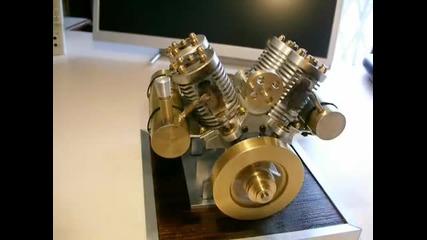 Мощен 4 Тактов V - Образен Мини Двигател, Задвиждващ Се С Нагряване На Вакуум