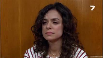 Момичето с червения шал 31 епизод