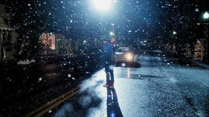 Превод! Justin Bieber - Mistletoe (официално видео) (високо качество)