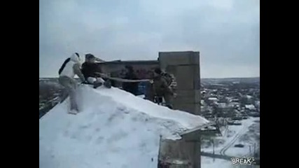 Руснаци Пускат Момиче От 20 Етажен Блок