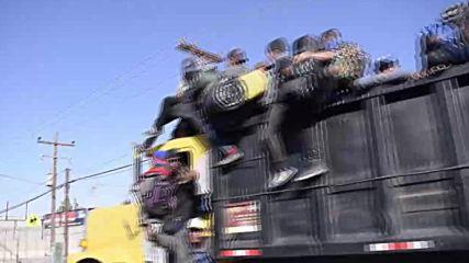 Mexico: Migrant caravan defies Trump in final push to cross US border