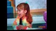 Anahi в Chiquilladas - пее с гребен xd