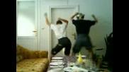 Танцуващото Йоре Срещу Фето