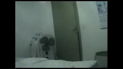 Крадец в стаята 9