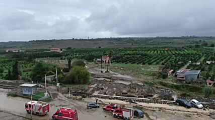 Italy: Firefighters search for missing locals in Scordia after huge floods hit Sicily