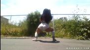 Секси маце танцува Street twerking !