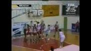 Баскетболист Нокаутира Съдия