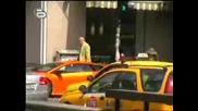 Поредното Безобразие В България !!!!! Полицай Не Глобява Lamborghini Спряло На Пешеходна Пътека !!!!