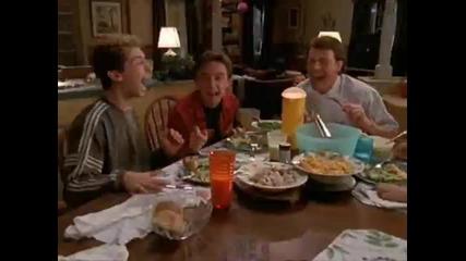 Малкълм - смях на масата