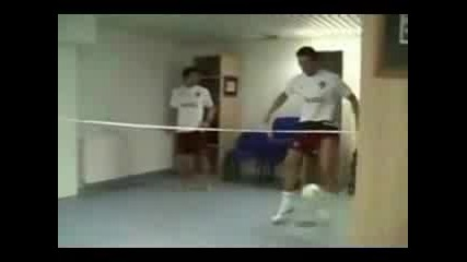 Ronaldinho Vs Cr. Ronaldo