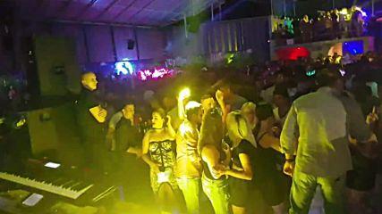 Mile Kitic - Milioni kamioni - (LIVE) - (Gradski bazen Daleka obala 2017)