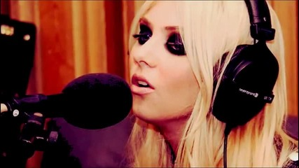 The Pretty Reckless - Islands & Love The Way You Lie (radio 1s Live Lounge)