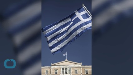 Greece Pays Public Sector Wages to Avert Fresh Economic Crisis