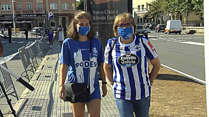 Spain: Deportivo fans gather outside stadium ahead of controversial game