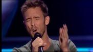 Невероятно, журито на Гласът на Холандия се обърна след само 10 секунди изпълнение !