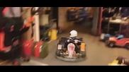 Зрелищно паркиране на картинг количка