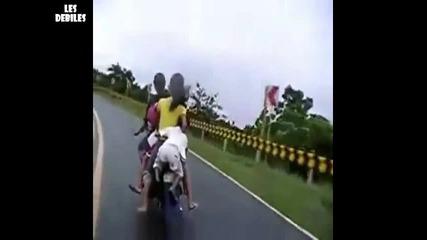 Е така се кара мотор ...