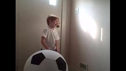 Без мозъчното момче - Смях до скъсване